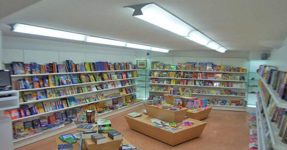 arredamento-libreria-negozio-libri-italia