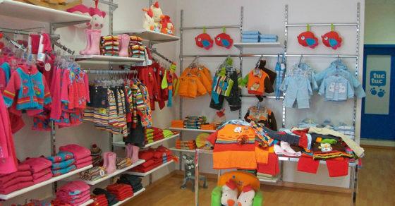 arredamento-negozio-abbigliamento-bambini-01