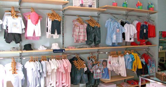 arredamento-negozio-abbigliamento-bambini-02