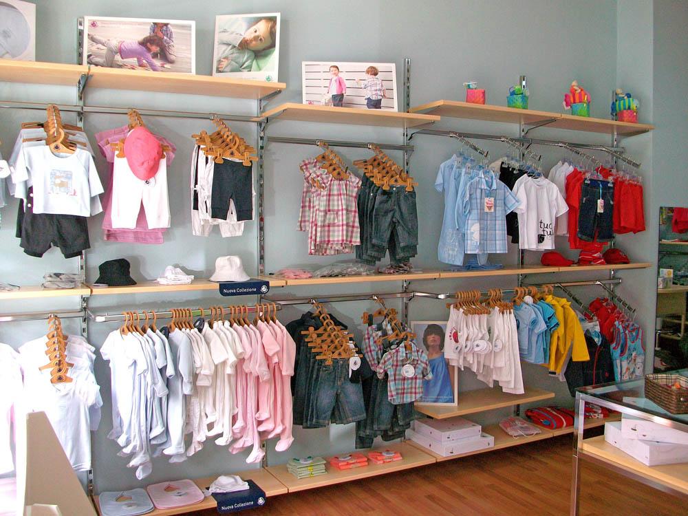 Abbigliamento prima infanzia e bambino azeta arredamenti for Arredamento bambini
