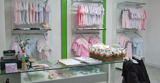 arredamento-negozio-abbigliamento-bambini-06