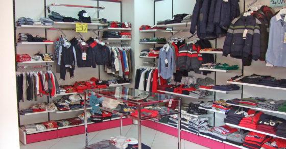 arredamento-negozio-abbigliamento-bambini-08