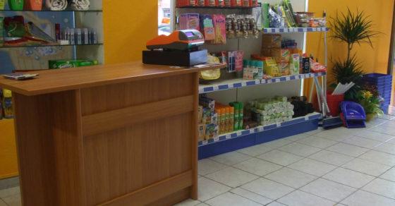 arredamento-negozio-casalinghi-02