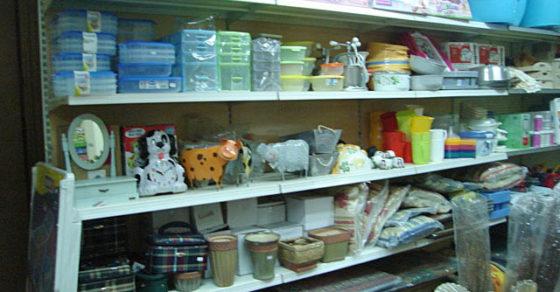arredamento-negozio-casalinghi-04
