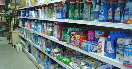 arredamento-negozio-casalinghi-07