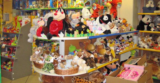 arredamento-negozio-giocattoli-01