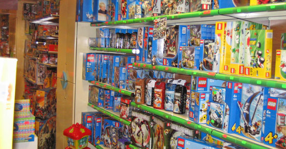 arredamento-negozio-giocattoli-cagliari