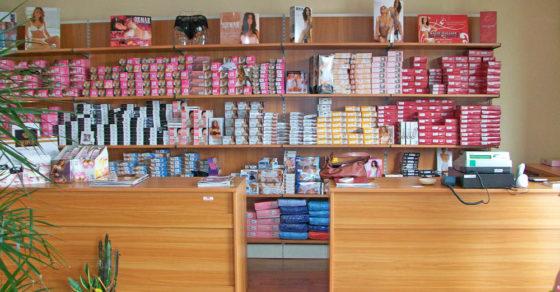 arredamento-negozio-intimo-cagliari