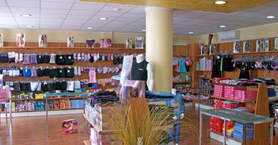 arredamento-negozio-intimo-07