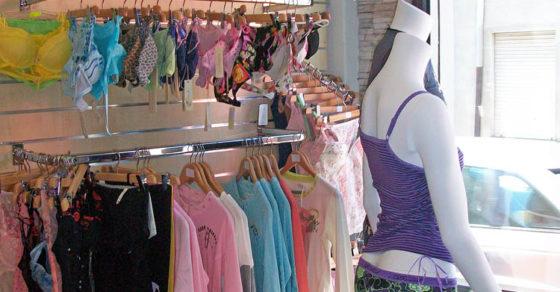 arredamento-negozio-intimo-09