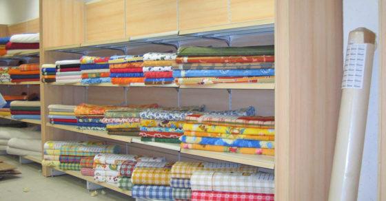 arredamento-negozio-tessuti-01