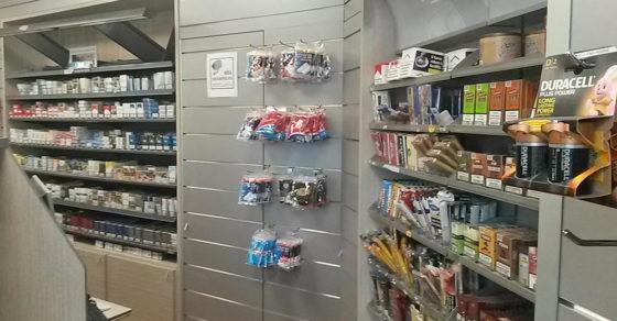 arredamento-negozio-tabacchi-06
