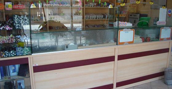 arredamento-negozio-tabacchi-08