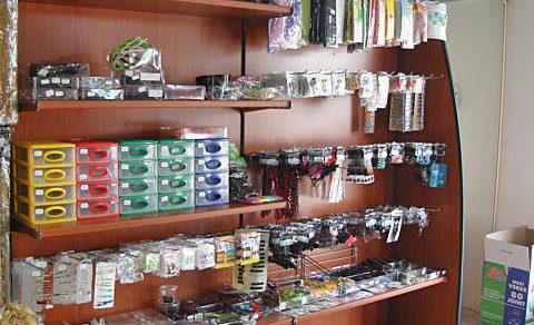 arredamento-negozio-forniture-parrucchiere-01